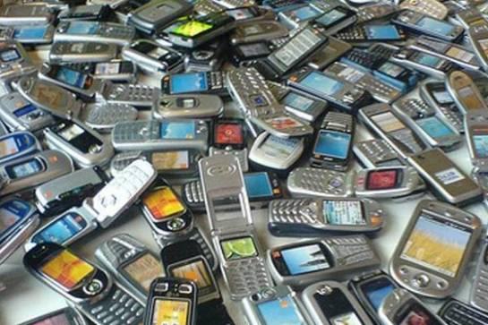 MobilePhones_GaetanLee_1